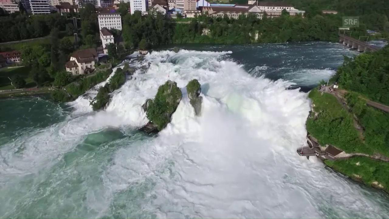 Gewaltige Wassermassen beim Rheinfall (unkommentiert)