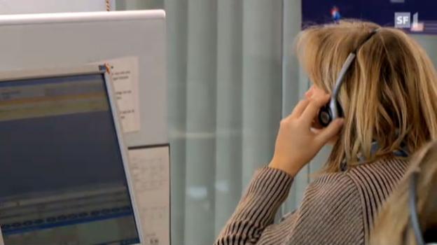 Video «Arbeitshölle Call Center: Swisscom profitiert» abspielen