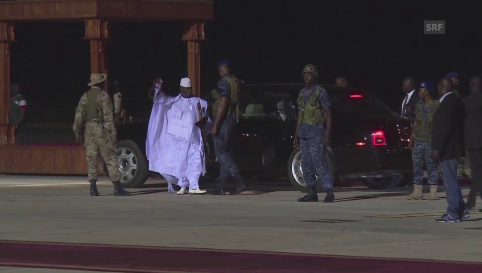 Jammehs Abflug – samt Musikkapelle