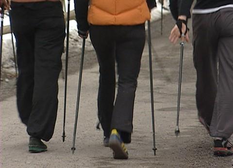 18.04.06: Nordic Walking: Das sind die besten Stöcke