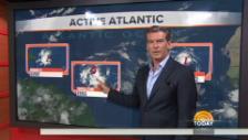 Video «Pierce Brosnan moderiert das Wetter» abspielen