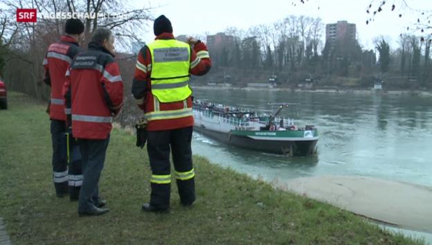 Video «Rheinschifffahrt teilweise gesperrt» abspielen