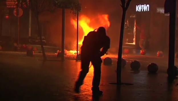 Video «Katz-und-Maus-Spiel in Istanbul (unkomm.)» abspielen