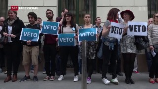 Video «Zehntausende Menschen demonstrieren in Ungarn» abspielen