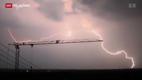 Wetterphänomene: Warum zieht ein Kran Blitze an? (1/5)