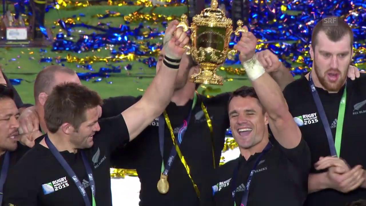 Rugby: Pokalübergabe an Neuseeland