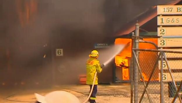 Video «Rund um Sydney wüten mehrere Brände (unkommentiert)» abspielen