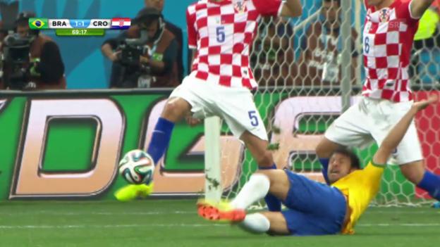 Video «Fussball: WM 2014, BRA-CRO, Foul Lovren» abspielen