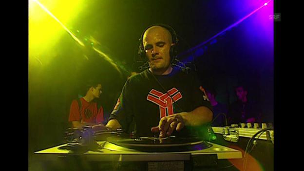 Video «90er: Die Streetparade» abspielen