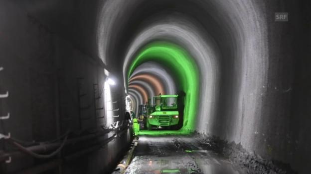 Video «4-Meter-Korridor am Axen» abspielen