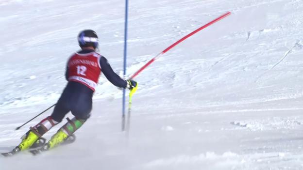 Video «Ski alpin: Weltcup, Slalom Val d'Isere, Out von Razzoli» abspielen