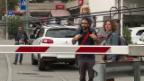 Video «Hindernisse in der neuen Heimat (2/5)» abspielen