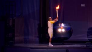 Video «Das Olympische Feuer wird entzündet» abspielen