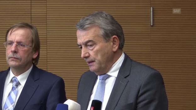 Video «Fussball: DFB-Präsident Wolfgang Niersbach erklärt seinen Rücktritt (Quelle: SNTV)» abspielen
