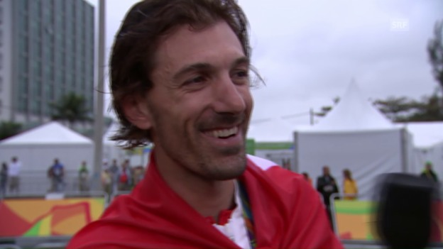 Video «Ein beinahe sprachloser Cancellara im Siegerinterview» abspielen