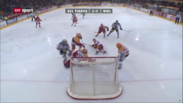 Video «Eishockey: Jacob Micflikiers letzter Treffer für Biel («sportaktuell vom 23.02.2013»)» abspielen