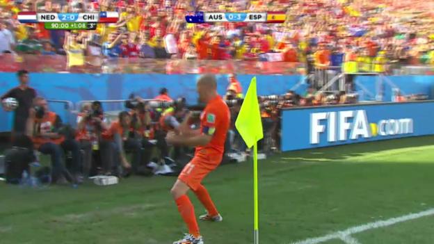 Video «FIFA WM 2014: Niederlande - Chile, die Live-Highlights» abspielen