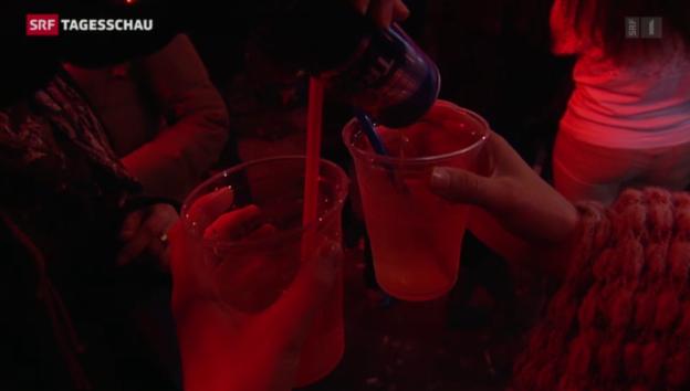 Video «Am Abend kommen Jugendliche einfacher am Alkohol» abspielen