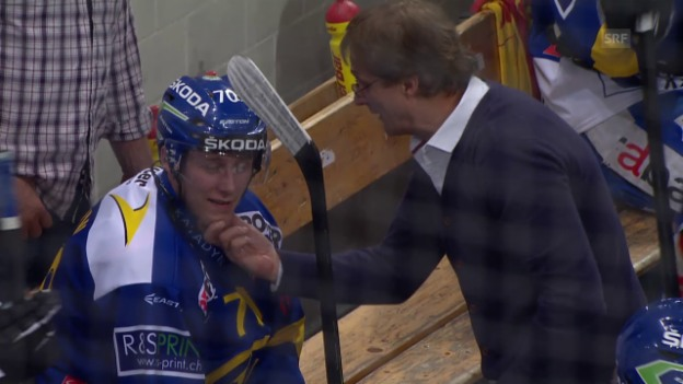 Video «Eishockey: Playoff-Final Davos - ZSC, Emotionen auf HCD-Bank» abspielen
