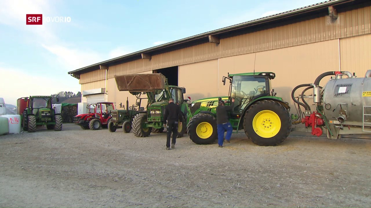 Weniger Bauerhöfe aber mehr Traktoren