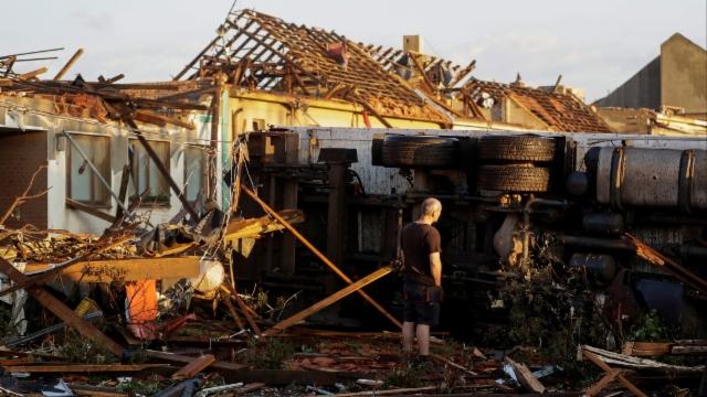 Chaotische Zustände nach Tornado in Tschechien