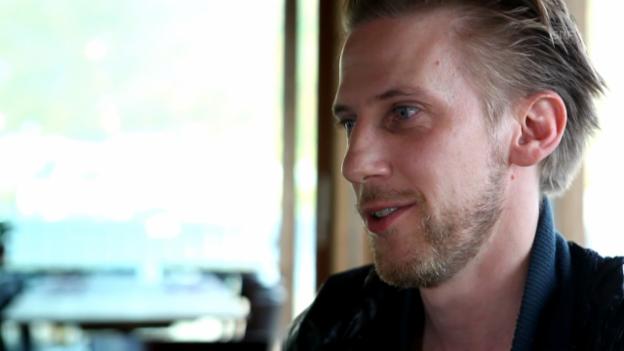 Video «Journalist Mikael Krogerus über Karl Ove Knausgård» abspielen
