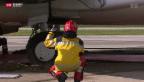 Video «Flugzeug bleibt im Rasen stecken» abspielen