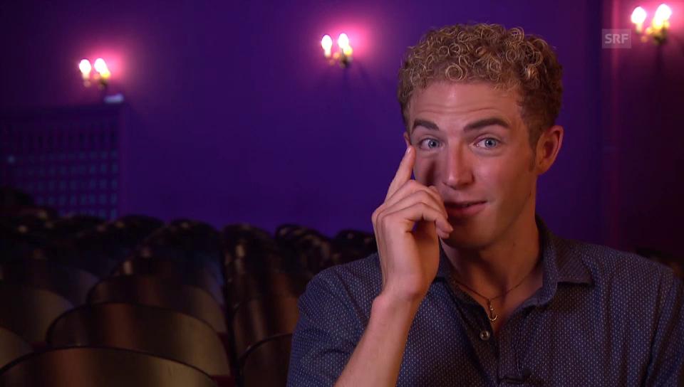 «Selbst Dimitris Augenbrauen können eine Pointe sein »