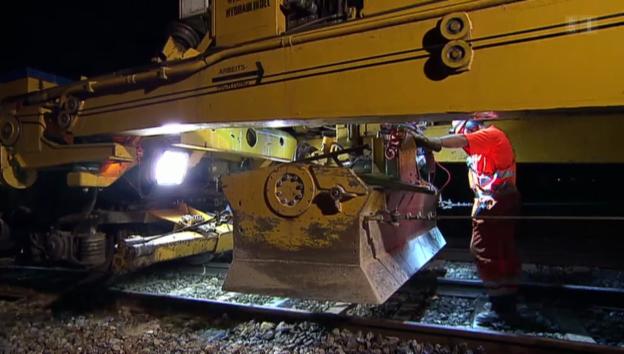 Video «SBB-Baustellen: Arbeiten in Gefahr» abspielen