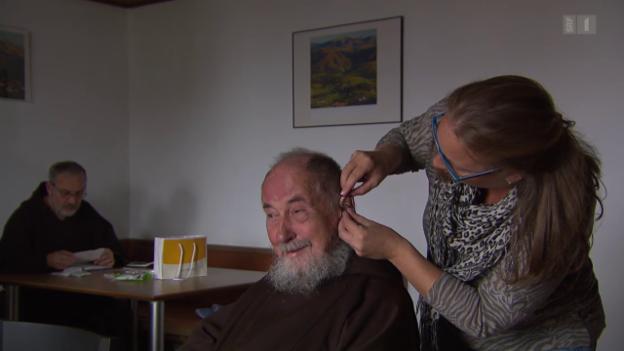 Video «Abzocke mit Hörgerät-Batterien: Schweizer zahlen viel zu viel» abspielen