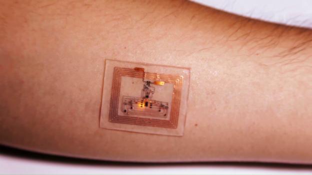 Video «Dünner Chip misst Körperfunktionen» abspielen