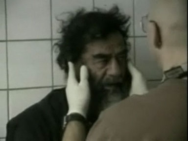 Video «Saddam Hussein gefasst - mehrheitlich Freude im Irak» abspielen
