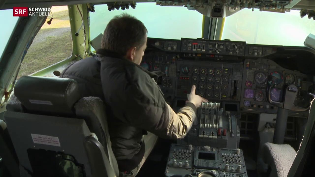 Fliegerfans bauen aus Jumbo-Cockpit einen Simulator