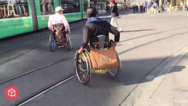 Video «politbox-Erfahrungsbericht: Im Rollstuhl durch Basel» abspielen