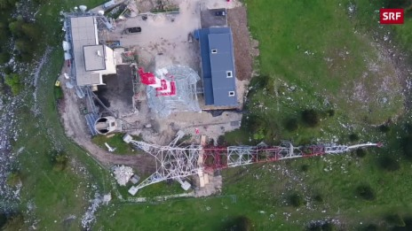 Link öffnet eine Lightbox. Video Acht Kilo Sprengstoff bringen 120-Meter-Turm zu Fall abspielen