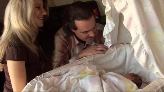 Video «Gesang beruhigt Babys» abspielen