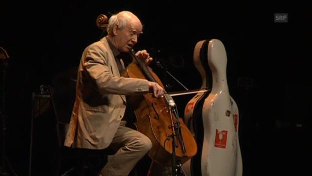 Video «Franz Hohler spielt Cello» abspielen