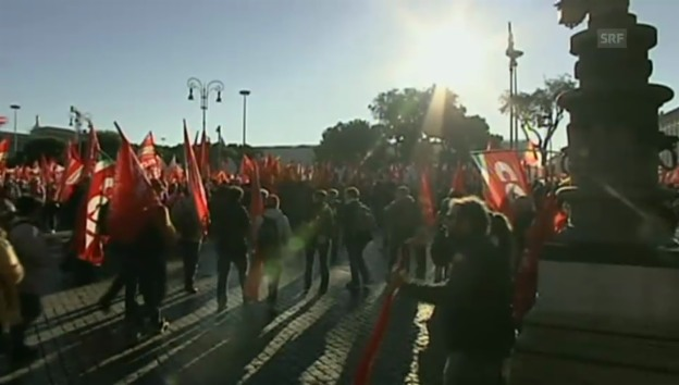 Video «Grossdemontration des Gewerkschaftsverbandes in Rom» abspielen