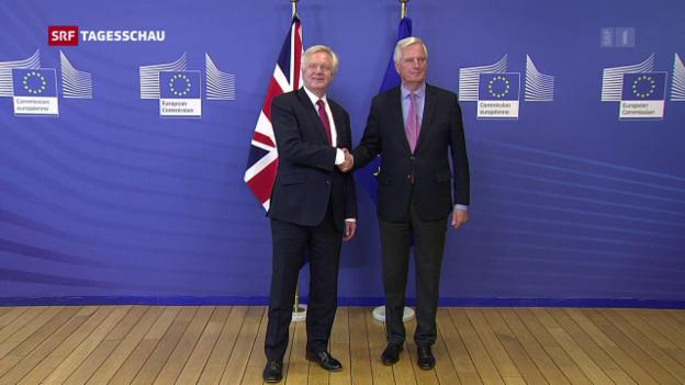 Video «Auftakt der Brexit-Gespräche – aber keine Annäherung» abspielen