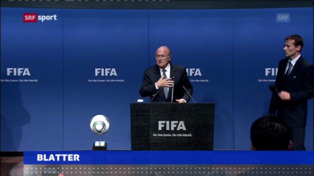 Video «Fussball: FIFA-Präsident Blatter für eine Winter-WM 2022» abspielen