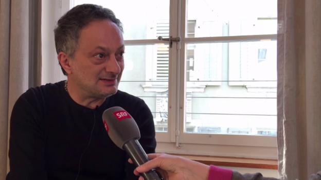 Video «Autor Feridun Zaimoglu zur Flüchtlingsproblematik» abspielen
