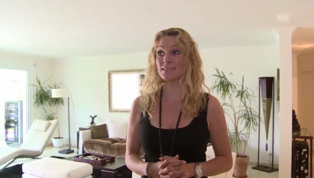 Video ««glüted & gfröged» – Folge 5: Christina Surer» abspielen