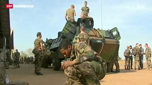 Video «Frankreich verstärkt Truppen in Mali» abspielen