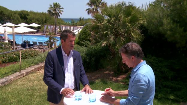Video «Präsident Schweizer Reise-Verband zum Thema Selberbuchen» abspielen