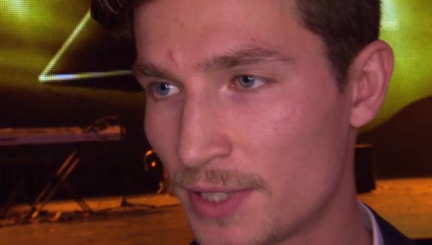 Video «So kam I-Pod über sein Sommerloch hinweg» abspielen