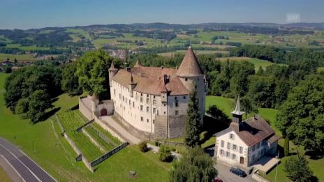 Video «Checkpoint der 1. Etappe: Château d'Oron» abspielen