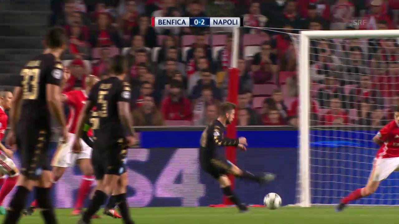 Ausgetanzt: Mertens spielt mit Benficas Abwehr