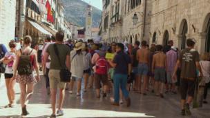 Link öffnet eine Lightbox. Video Tourist go home! Europas Sehnsuchtsorte in Gefahr abspielen.