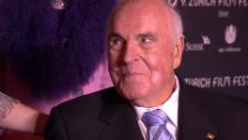 Video «Helmut Kohl trifft bei der Cohn-Gala ein» abspielen