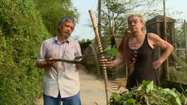 Video «In der fremden Heimat – Wenn die Eltern plötzlich auswandern (Teil 2)» abspielen
